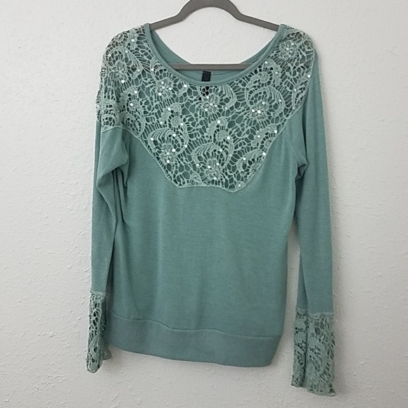 BKE boutique Sweaters - BKE boutique pullover sweater sz L sequin crochet